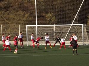 defendiendo un corner en Torneo Rekalde