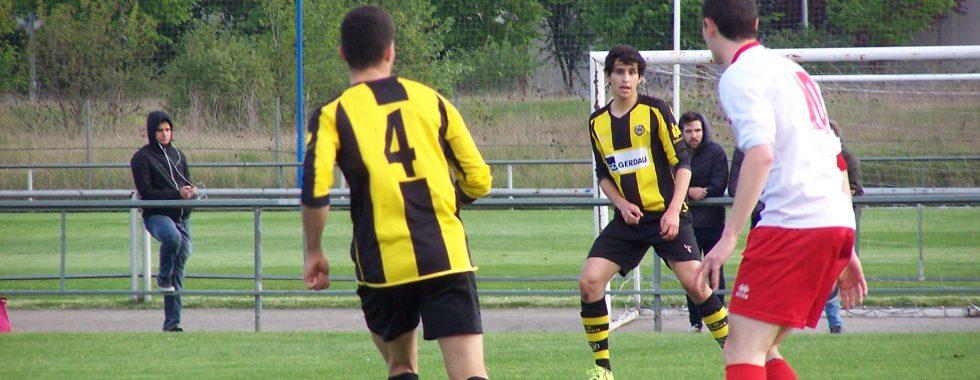 Mikel Bueno, ante Núñez y López